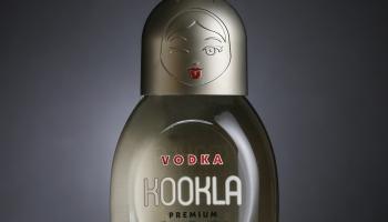 VODKA KOOKLA  (poupée en  Russe ) est une nouvelle Vodka Charentaise